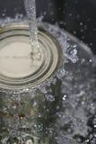 Espirrar sobre uma lata (parte superior) Fotos de Stock Royalty Free