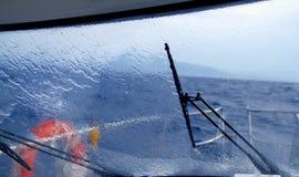 Espirro perfeito da água da chuva do barco Fotos de Stock Royalty Free