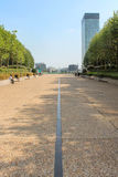 Esplanade De La Defense en París foto de archivo libre de regalías