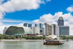Esplanade and the Marina Bay Skyline Royalty Free Stock Photos
