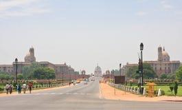 Esplanade Rajpath Wohnsitz des Präsidenten von Indien NOVEMBER 2007: Leute am Baha'i Ort der Verehrung, bekannt als Lotos Tempel  Lizenzfreie Stockfotos