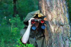Esploratore in foresta Fotografie Stock Libere da Diritti