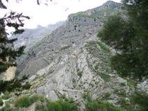 Esplorazione delle montagne Immagine Stock