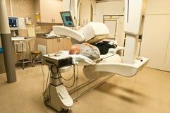 Esplorazione paziente dell'osso della macchina fotografica di gamma Immagine Stock Libera da Diritti