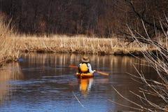 Esplori in canoa Immagini Stock Libere da Diritti