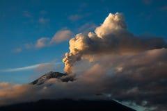 Esplosione del vulcano di Tungurahua immagine stock libera da diritti