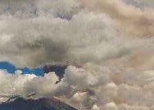 Esplosione del vulcano di Tungurahua, agosto 2014 Fotografie Stock Libere da Diritti