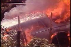 Esplosione dell'automobile stock footage