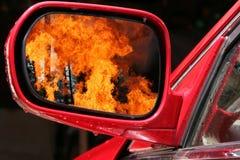 Esplosione di guerra nello specchio del mondo immagini stock libere da diritti