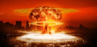 Esplosione nucleare sopra grande città royalty illustrazione gratis