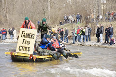 Espoir de port de radeau de villes d'alimentation de fermiers, 31 mars /2012 images stock
