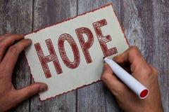 Espoir des textes d'écriture de Word Concept d'affaires pour se sentir du désir d'attente pour qu'une certaine bonne chose se pro photo stock