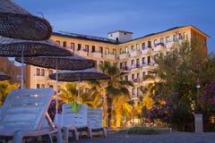 Esponga al sole l'hotel della spiaggia del fuoco in Kemer Turchia, può Immagine Stock