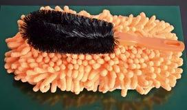Esponja y cepillo Fotografía de archivo