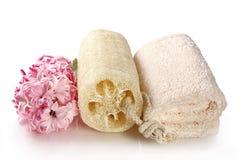 Esponja y toalla de terry naturales Foto de archivo