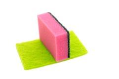 Esponjas coloridas da cozinha isoladas Imagens de Stock Royalty Free
