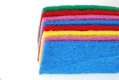 Esponjas coloridas da limpeza Fotografia de Stock