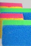 Esponjas de la limpieza Fotos de archivo