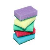 Esponjas para los platos que se lavan. imagenes de archivo