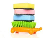 Esponjas y cepillo Imagenes de archivo