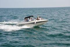 Esporte de barco da família Fotografia de Stock