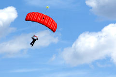 Esportes extremos. salto de pára-quedas Imagens de Stock Royalty Free