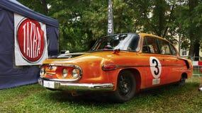 Esportes velhos e carros de competência imagens de stock