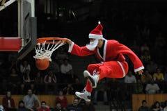 Esposizione acrobatica di pallacanestro Fotografia Stock Libera da Diritti