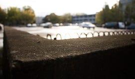 Esposizione al sole delle automobili oltre un angolo Immagine Stock Libera da Diritti
