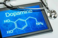 Esposizione con la formula chimica di dopamina fotografia stock libera da diritti