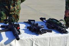 Esposizione dei fucili di tiratore franco delle aeronautiche Immagini Stock