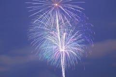 Esposizione dei fuochi d'artificio del fondo Immagini Stock Libere da Diritti