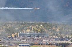 Esposizione dei Thunderbirds alla graduazione dell'aeronautica di Stati Uniti Immagini Stock