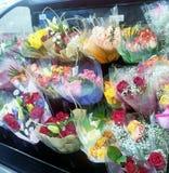 Esposizione del mazzo del fiore in deposito per la festa Fotografia Stock