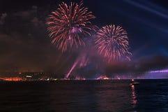 Esposizione dell'indicatore luminoso e del fuoco d'artificio Fotografia Stock