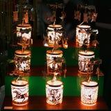 Esposizione della finestra delle lanterne festive Fotografie Stock