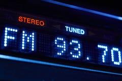 Esposizione della radio di sintonizzatore FM Stazione digitale stereo di frequenza sintonizzata fotografia stock