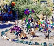 Esposizione della scultura del giardino in Nevada Cactus Nursery fotografia stock