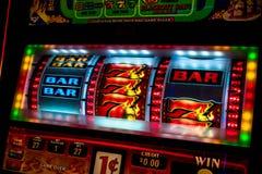 Esposizione dello slot machine del casinò fotografia stock