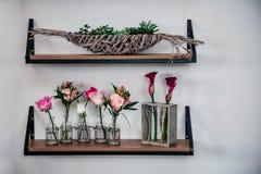 Esposizione di parete squisita del negozio di fiore immagini stock