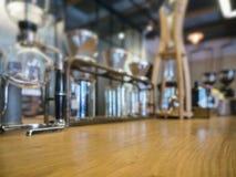 Esposizione di vetro del negozio del ristorante del caffè dei corredi del caffè americano Immagini Stock Libere da Diritti