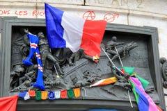 Esposizione emozionale dopo gli attacchi di terrore a Charlie Hebdo, Place de la Republique, Parigi, Francia, 2016 Fotografie Stock Libere da Diritti