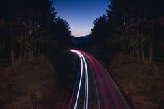 Esposizione lunga della strada della montagna fotografie stock libere da diritti