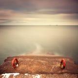 Esposizione lunga di vista sul mare di inverno Fotografie Stock Libere da Diritti