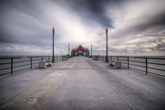 Esposizione lunga grandangolare del pilastro della Huntington Beach Fotografia Stock Libera da Diritti
