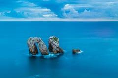 Esposizione lunga nel mare ad area di Urros su Cantabria Fotografie Stock Libere da Diritti