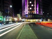 Esposizione lunga nella città di Belgrado immagini stock