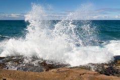 Espray potente de la onda Imagenes de archivo