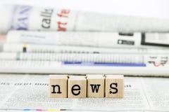 Espressione di notizie sul fondo del giornale Immagini Stock Libere da Diritti