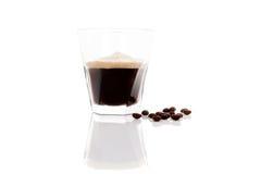 Espresso über Weiß stockfotografie